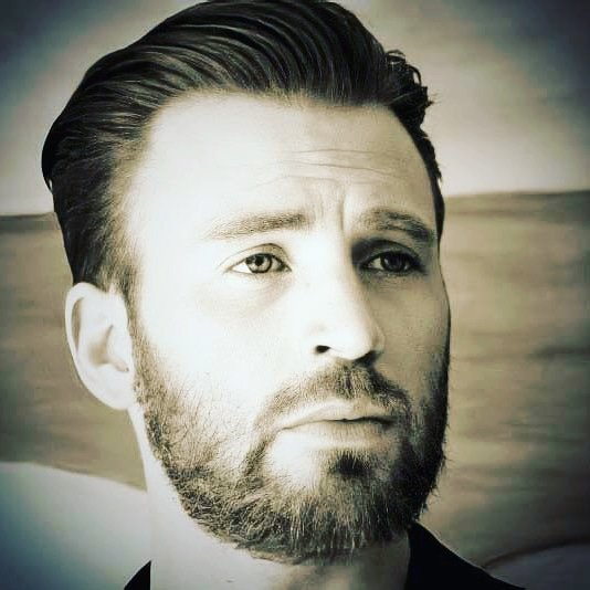 """""""Kindness is like snow- It beautifies everything it covers."""" – Kahil Gibran  Have a nice Friday dear followers  #ChrisEvans #italychrisevans #quoteoftheday"""