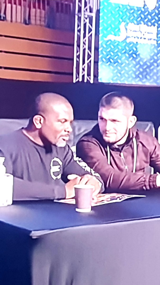 Two great legends in one frame 👌 @DinThomas @TeamKhabib  #DanaWhiteLookinForAFight #DinDiaries  #UFC257