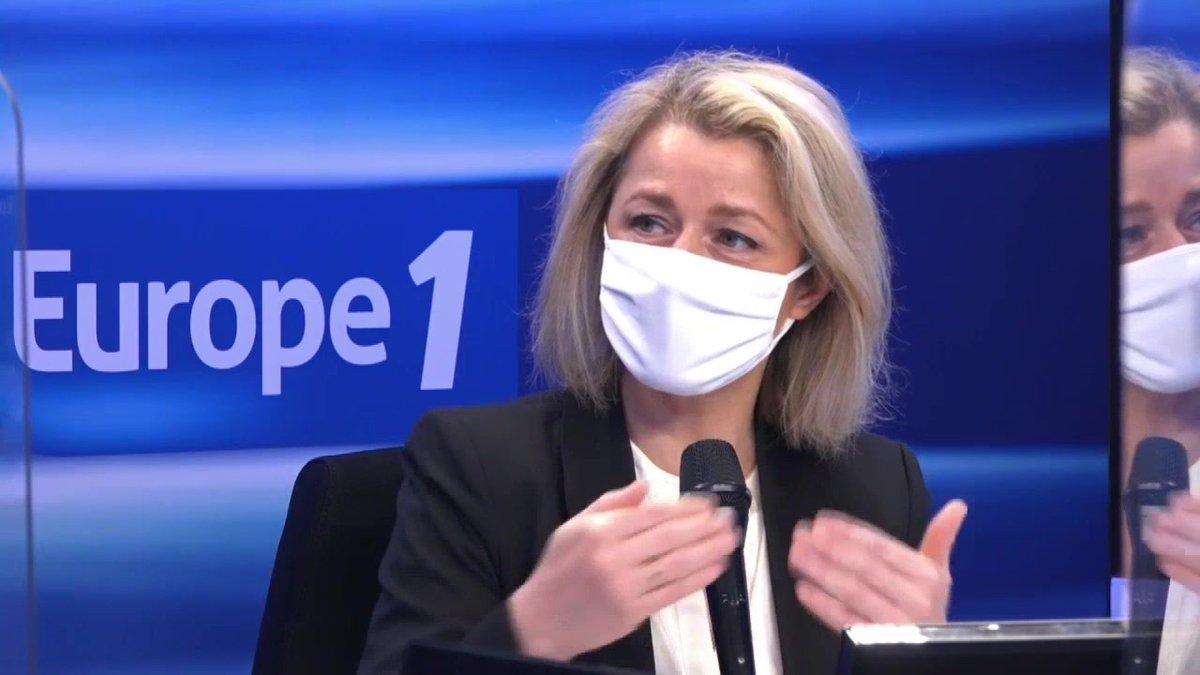 """Les éoliennes, sont-elles écologiques ? @barbarapompili : """"Bien sûr que c'est écolo, elles utilisent le vent, une énergie renouvelable.""""  #Europe1"""