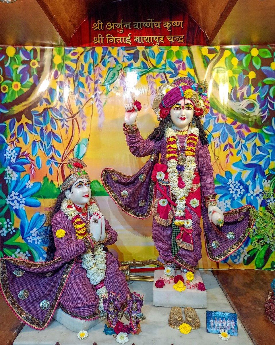 #Arjun #Krishna #deities(called as #Arjun #Varshney #Krishna) #Darshan,  #Iskcon #Aligarh #Gita #Gyan #Mandir, #Harduaganj. 26.02.2021 Photography courtesy of Mannraj Prabhuji. #APNA #SAHAYOGI #PREMI #PARIVAR. #अपना #सहयोगी #प्रेमी #परिवार |