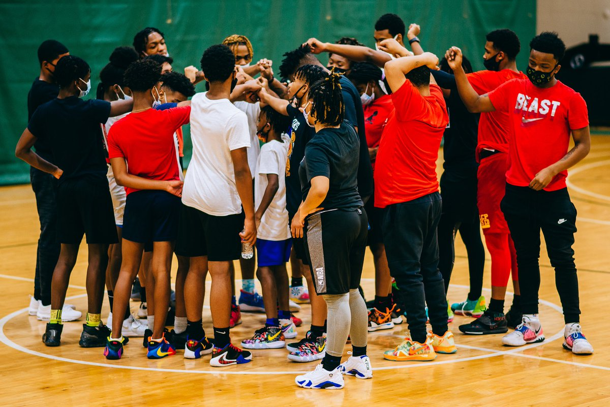 Welcome to Beyond Athletics Chicago   Visit to learn more at   🏙  #WeAreBAC #BeyondAthleticsChicago #SavingOurCityTogether @Nike @nikebasketball @nikestore @nbacares @chicagobulls @NBA @KingJames @KyrieIrving  @KDTrey5  #TeamNike #NikeChicago @WNBA @NBATV