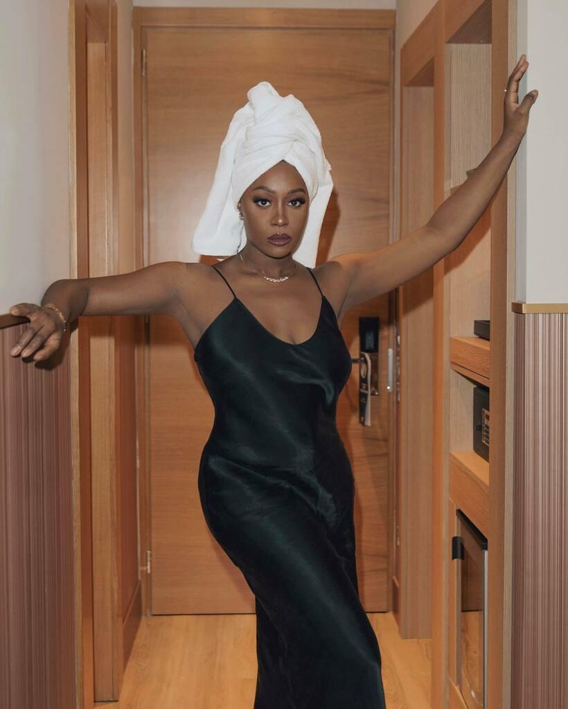 Frank dice che va bene, dice che sono top 🥺❤️  Sì, ma chi è Frank? 👇🏿👇🏾 📸 @francescoanglanifp   ___ #darkskinbeauty  #graceonyourdash #ilmakeupèpertutti #diversIT #Blackgirlmagic #nigeriangirl #afroitaliana #nigeriangirlskillingit