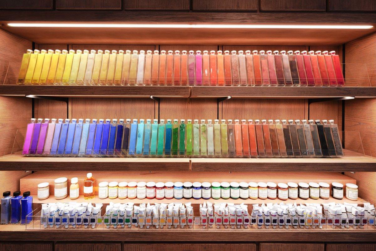 思わずテンションが上がってしまう?東京にある画材屋の展示が美しい!