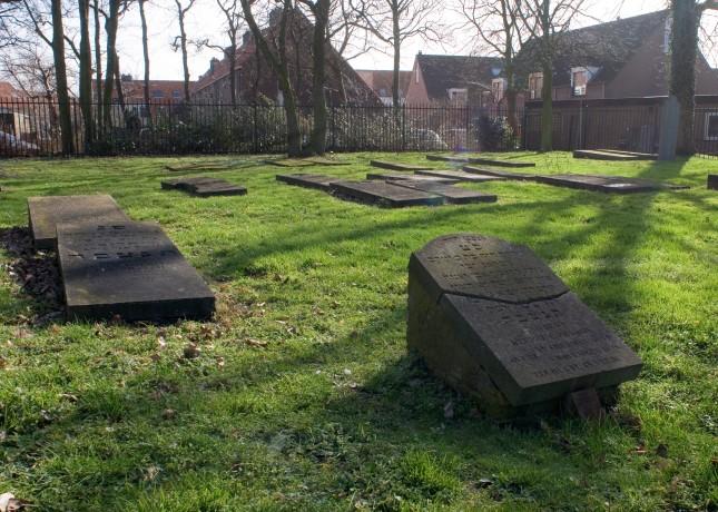 Fondsenwerving voor restauratie Joodse begraafplaats gestart https://t.co/8ZnMUdVkwV https://t.co/XVjpJlkCDL