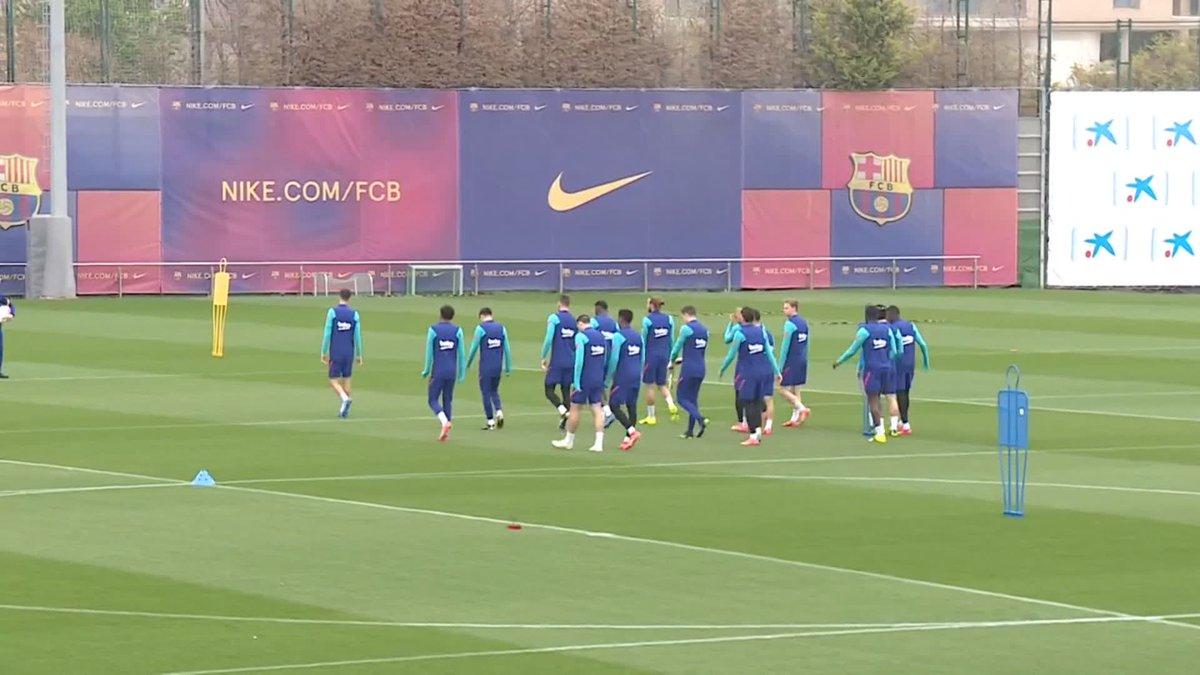 ⚡️LIVE NOW! ⚡️ Barça training session ahead of #SevillaBarça 💪🟦🟥  🖥 Watch now on Barça TV+:
