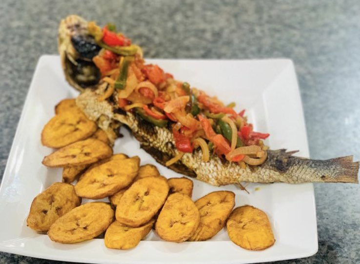 TGIF 😃  Start your weekend with this delicious bbq fish....  To order please call: 09090473899, 08108897653  #Mcafe #Ivoryhealthclub #fridayvibes #staysafe #delivery #takeout #deliciousmeal #freshmeal #foodies #lagosfodie