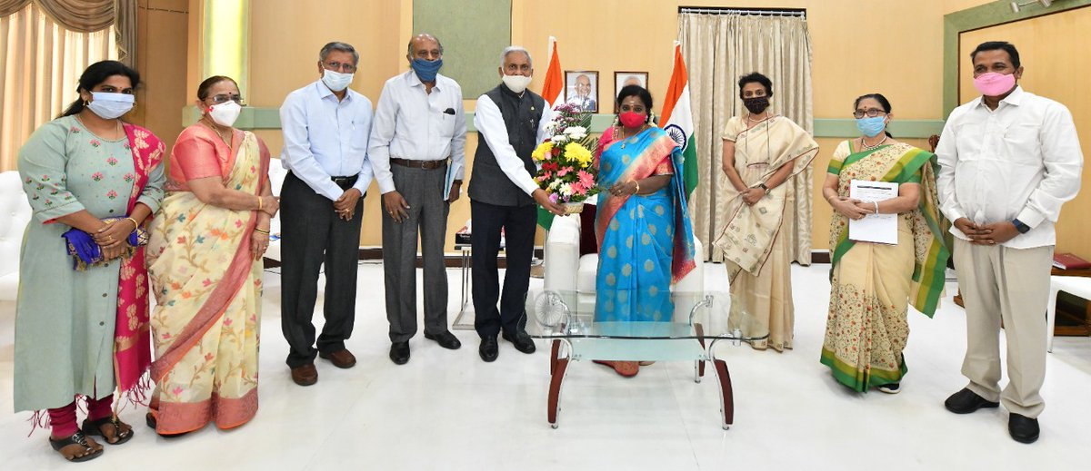 Honb'le Governor of Telangana Dr.Tamilisai Soundararajan had discussion with Dr. Gandhi P.C  Kaza  MD Genome Foundation & other members of the foundation today at #RajBhavan #Telangana .