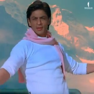 As @iamsrk opens his arms, the romance quotient in the air rises! 😍  #ShahRukhKhan
