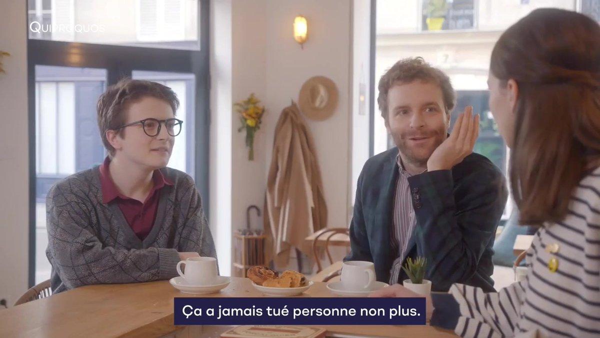 """Pour éviter une situation gênante, ne proposez pas """"une petite baise"""" à un(e) autre francophone. À la place, on vous suggère plutôt d'utiliser les gestes barrières 🤜🤛 Quiproquos, une série à voir gratuitement sur #TV5MONDEPLUS ! tv5m.tv/quiproquos"""