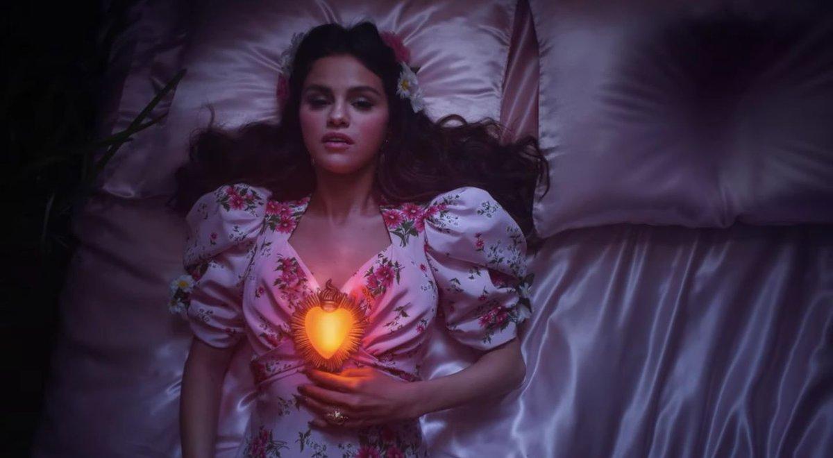 HABLA ESPANOL??? Selena Gomez Releases New Song and Video in SPANISH Titled 'De Una Vez!'  #DeUnaVez #SelenaGomez #Spanish