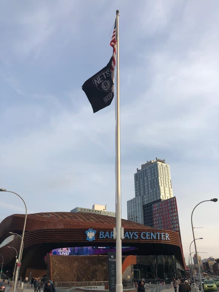 If you have ever been to a Brooklyn Nets game at Barclays you may have walked right by a great piece of baseball history without even knowing it. The flagpole outside the arena once stood at Ebbets Field. Photo: Tdorante and Stephen Johnston https://t.co/Bcdy9RLobk