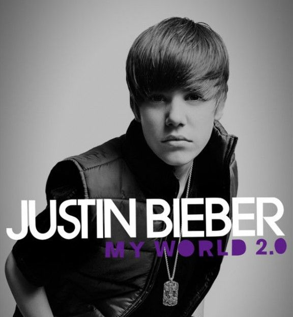 """Justin Bieber está lançado seu novo álbum """"Justice"""" dia 19 de março, exatamente no dia que ele lançou seu primeiro álbum de debut."""