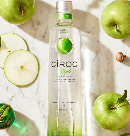 Try CÎROC Apple for a cocktail as cool and crisp as this February weather. 🍏