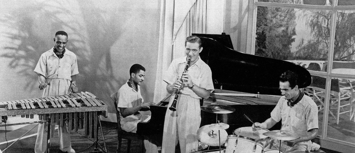 Can you name this iconic #quartet?   Listen to a recording of the group by Bill Savory:    @NatlJazzMuseum