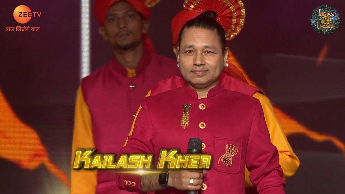 Dhol aur tashe ke saath, #MumbaiWarriors ke Captain, #KailashKher ne kiya yudh ka aaghaaz.  #IPMLonZeeTV #MusicUnchaRaheHamara #IPMLOpeningCeremony  #NilkamalMumbaiWarriors @Kailashkher @MYFMIndia @bigfmindia @ipmlofficial @nilkamal_ltd