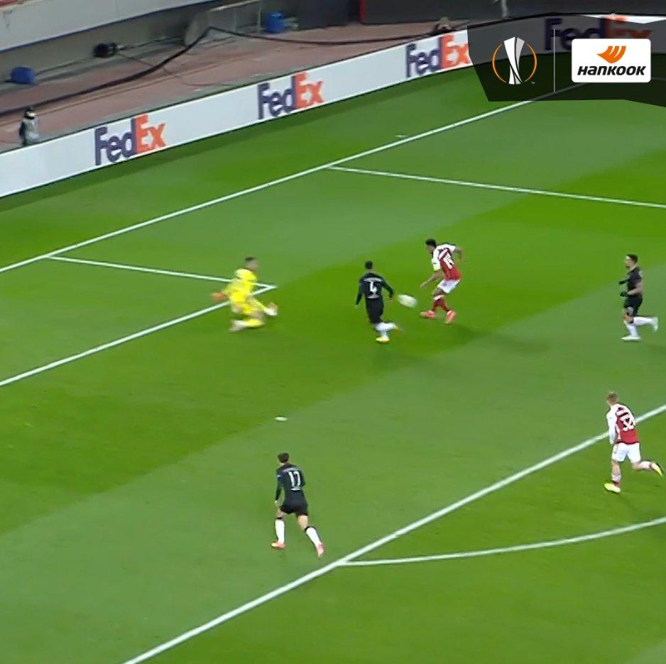 ⚽️ Two goals scored 🔴 @Arsenal progress  👑 Crowned Player of the Week   @Aubameyang7 👏👏  @hankookreifen | #UELPOTW | #UEL https://t.co/i0VesfRjNg