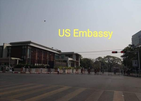 Almost every entrances to the road to the embassies were barricaded by the military in case they fear for the protesters' meeting with the ambassadors.Junta already restricted the internet to control opposition to the coup.  #Feb23Coup  #WhatsHappeningInMyanmar  #credit https://t.co/BbZU3p05Hi