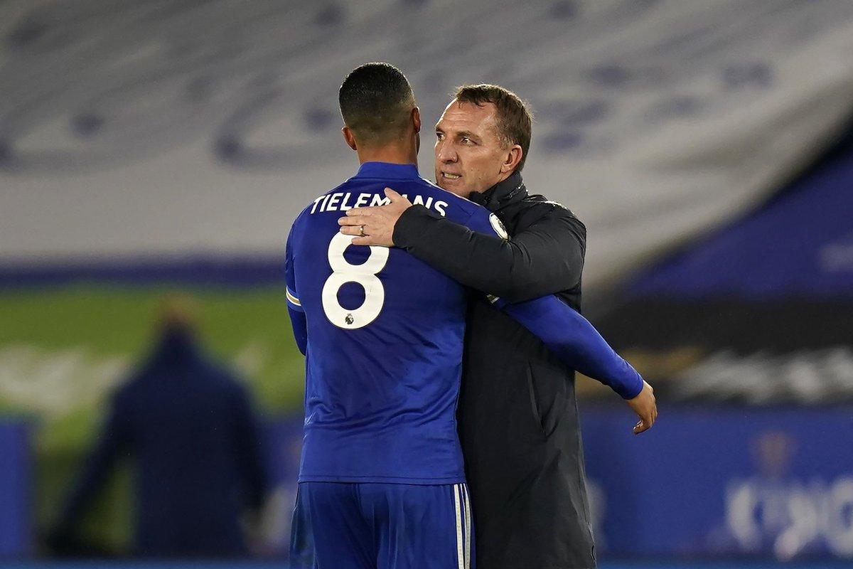 🔙| Há exatamente 2 Anos, Brendan Rodgers assinava pelo Leicester City! 🦊 https://t.co/DV3tMX6dPg