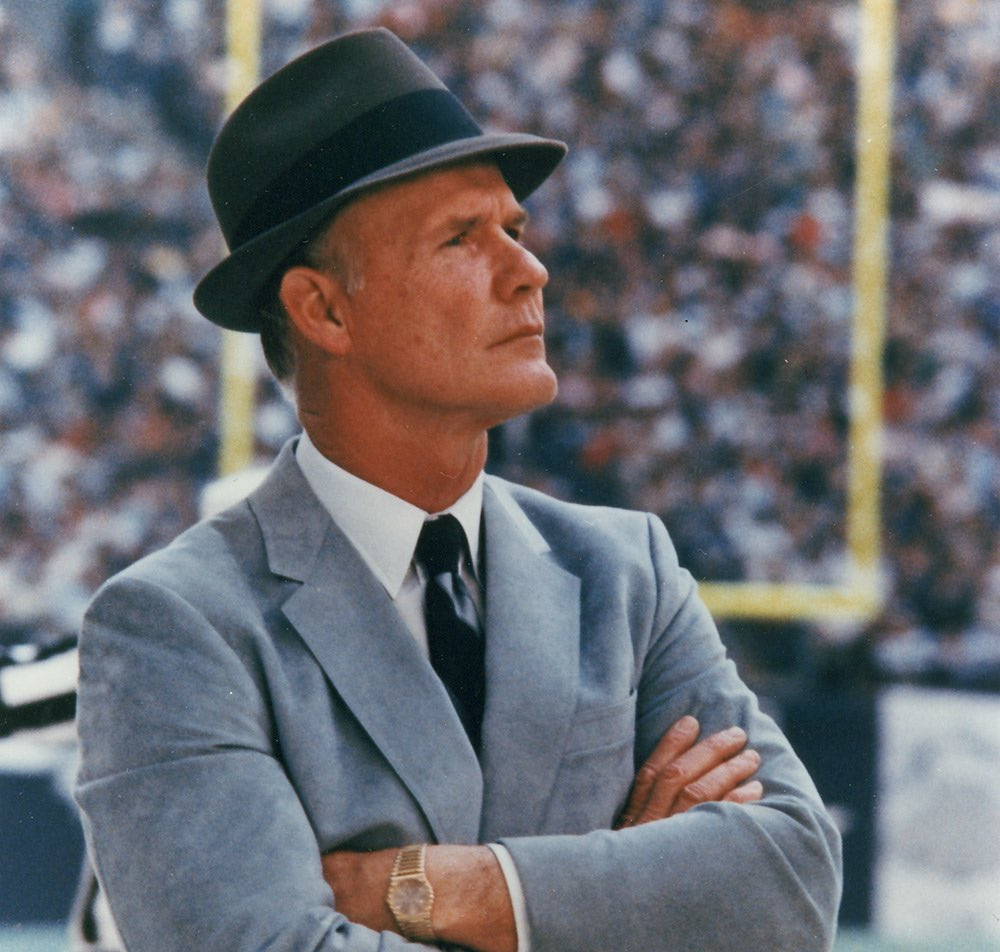 #OTD in 1989, after a 3-13 season the #Dallas #Cowboys fired head coach Tom Landry. From 1960-1988 Landry compiled a 250-162 regular season record and 20-16 in the #NFL Post Season winning #SuperBowl VI and XII. #NFLTwitter @dallascowboys