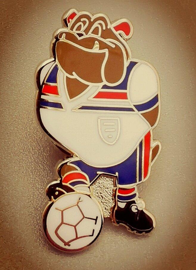 MISCELÁNEA. #pins #badge #BulldogPride #ThreeLions #england #oldschool #vecchimaniera #viejaescuelarcde