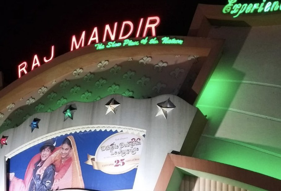 #AdityaChopra s #DDLJ at #RajMandir #Jaipur from today. @yrf @iamsrk @itsKajolD #AmrishPuri #FaridaJalal @AnupamPKher #JatinLalit
