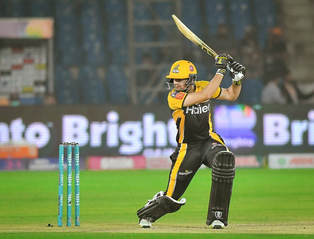 Peshawar Zalmi inflict a comprehensive 6-wicket defeat on Islamabad United