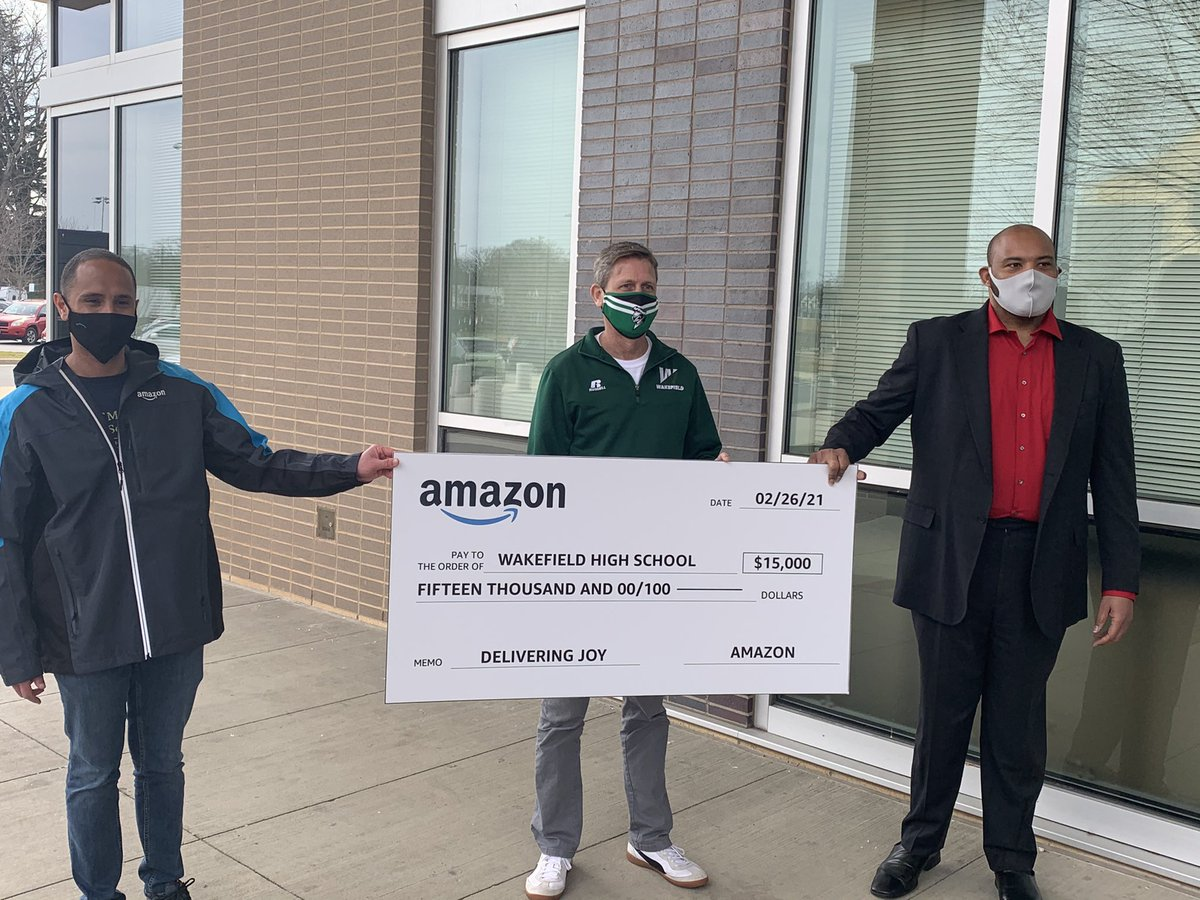 As part of it's celebration of Black History Month, <a target='_blank' href='http://twitter.com/amazon'>@amazon</a> presented a $15,000 donation to support <a target='_blank' href='http://twitter.com/WHSHappenings'>@WHSHappenings</a> The donation will include the book Stamped: Racism, Anti-Racism, and You by Jason Reynolds – which focuses on anti-racism, cultural awareness and proficiency. <a target='_blank' href='https://t.co/ChQAWL1bxm'>https://t.co/ChQAWL1bxm</a>