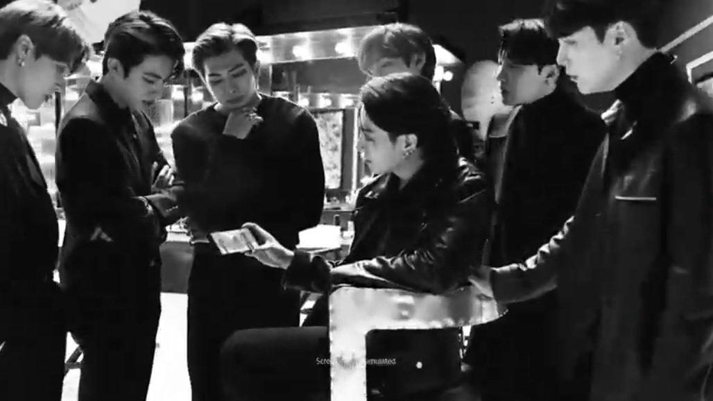— 1 voto por día. — RT cuentan como voto. — Procuren agregar más palabras en el tweet.  — My vote for Favorite Music Group at the #KCA is BTS #VoteBTS @BTS_twt