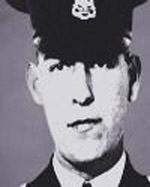 A married father of 1, Cst Charles BOYES was born in #England, and buried in Forest Lawn Memorial Park #Burnaby. He served #VPD for 12yrs. He'd served in @BritishArmy in India, and enjoyed performing magic tricks he'd learned from the Fakirs.  5/6   #EOW #LODD #NeverForget #BCLEM