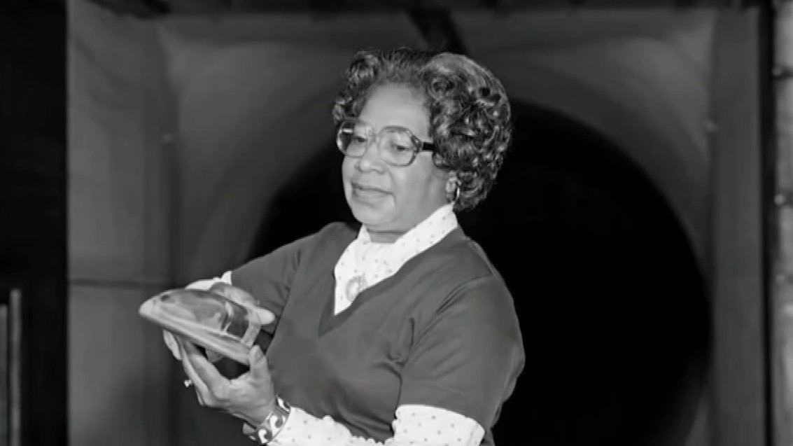 Mary W Jackson: NASA names HQ after agency's first Black female engineer https://t.co/Ihi8FRqviD https://t.co/4mvCygjujy
