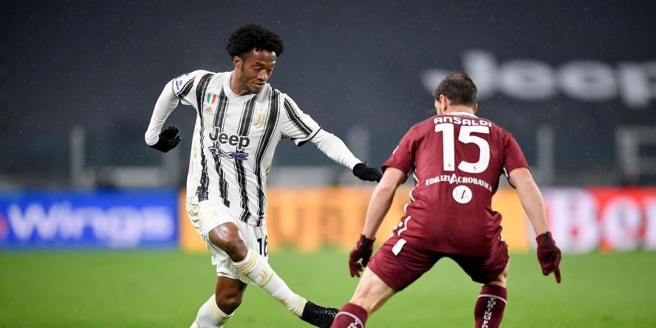 Juan Guillermo Cuadrado se quedaría en Juventus mucho mas tiempo. Según Tuttosport, la directiva del club planea renovarle el contrato, el cual termina a mediados del 2022.