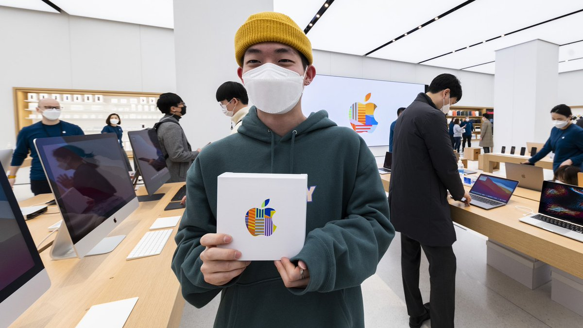 We're so happy to welcome our customers in Korea to Apple Yeouido — Apple's second store in Seoul!