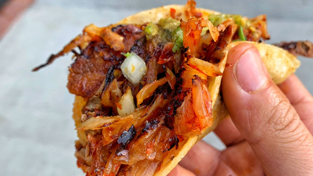 I'll have 10 of those 🤤 ❤️  #AlPastor #BBQpork   #TaqueriaHoy #Open24Hours #Authentic #OrangeCounty #Taqueria #Taco #Asada #TheOC #Burrito #AlPastor #MexIcanAmerican #Jalisco #Arandas #Dtsa #SantaAna #Orange #Anaheim #Tustin #Lunch #Dinner #SmileHoy https://t.co/0TkCDnMO3b