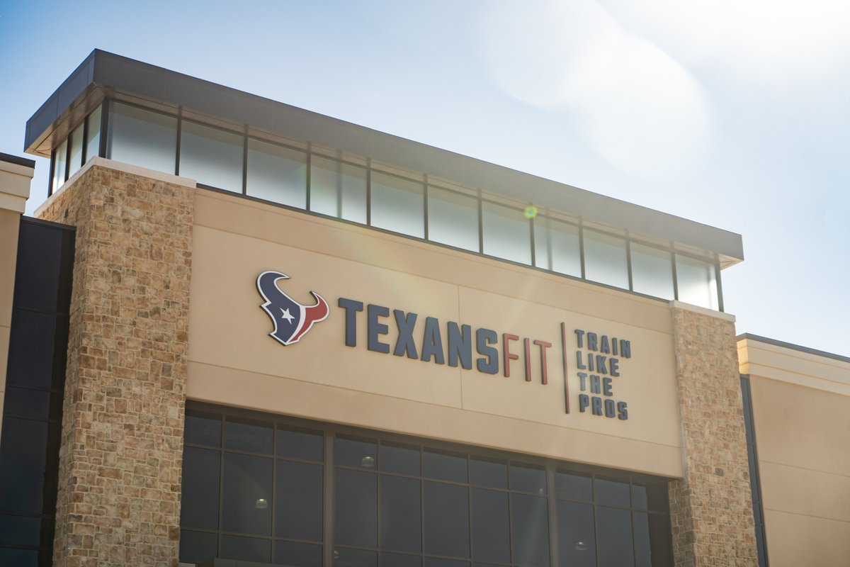 """Thank you @TexansFit for opening your doors.  """"It had been 7 days since I lost power and water, been alone the whole time and the news that I could go somewhere to renew myself, made more difference than you might think."""""""