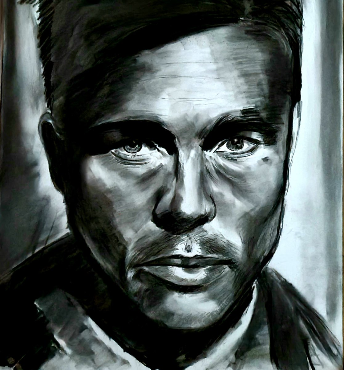 Finished... my drawing of Brad Pitt #bradpitt #drawing #portraitdrawing #art