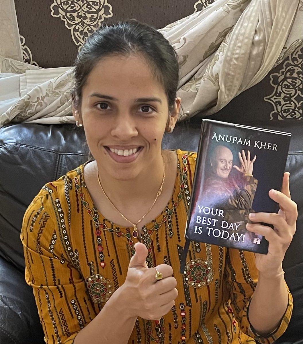 श्रीमान @AnupamPKher जी द्वारा लिखी गई किताब।। ✍️✍️ #YourBestDayIsToday