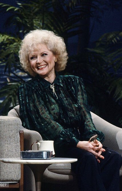 Seriously, how is it possible for someone to be this beautiful 🥺✨  #bettywhite