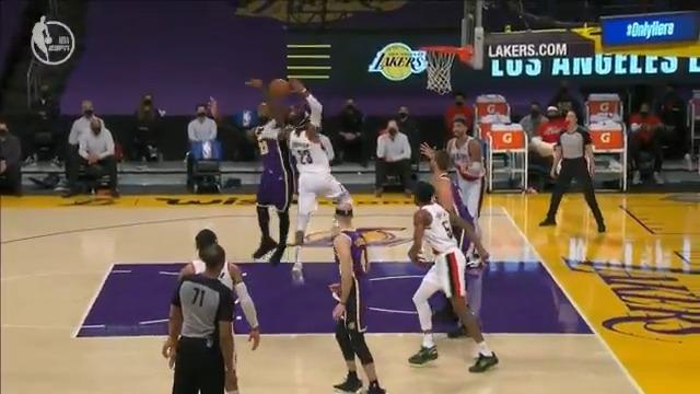 LeBron defense to LeBron offense!  📺: ESPN