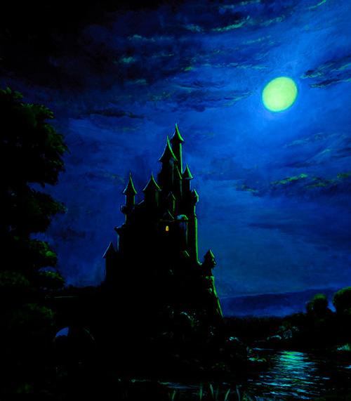 【今日は満月~白雪姫~】 今日2月27日(土)は #満月 ♪ 2月の満月「 #スノームーン 」のスノー(snow)にかけて、東京ディズニーランドのアトラクション「白雪姫と七人のこびと」に登場する満月をご紹介します。 >>