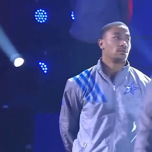 It's been nine years since this incredible 2012 All-Star intro.   D-Rose wasn't having it 🤣 https://t.co/KuymueSpL6