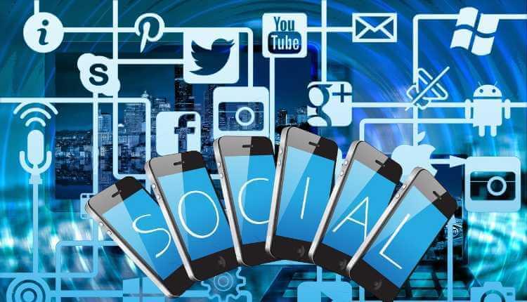 Reason Why Social Media Create Isolation  See:   #isrgrajan #SaturdayMotivation #Depression #friends #isolation #media #Social #virtualworld