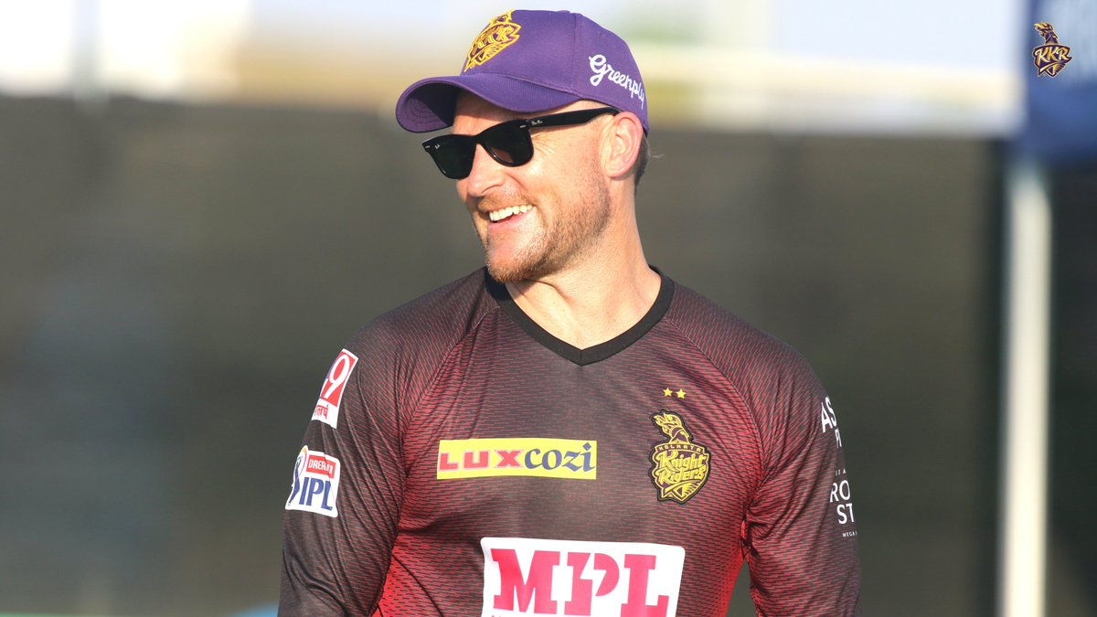 😀@Bazmccullum's reaction when he saw our #IPL2021 squad 💪🏾   #ToofaniFans, how excited are you to see our boys in action?  #KKR #HaiTaiyaar