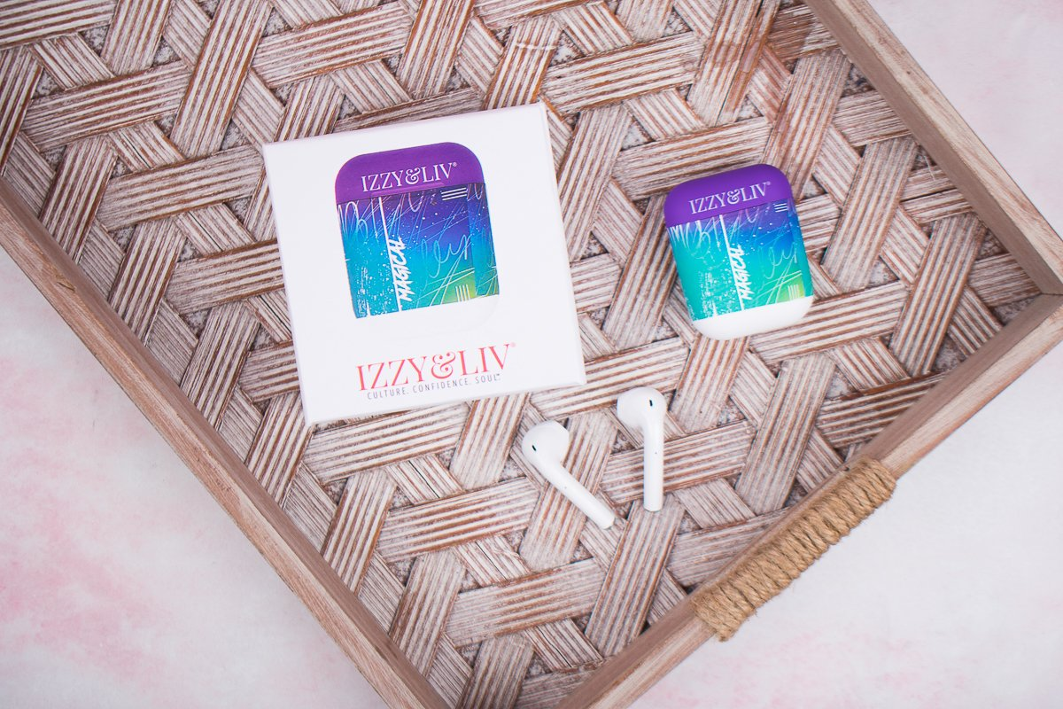Cue the jams & get moving & grooving with these wireless bluetooth earbuds. #izzyandliv #earbuds #wirelessearbuds #buyblack