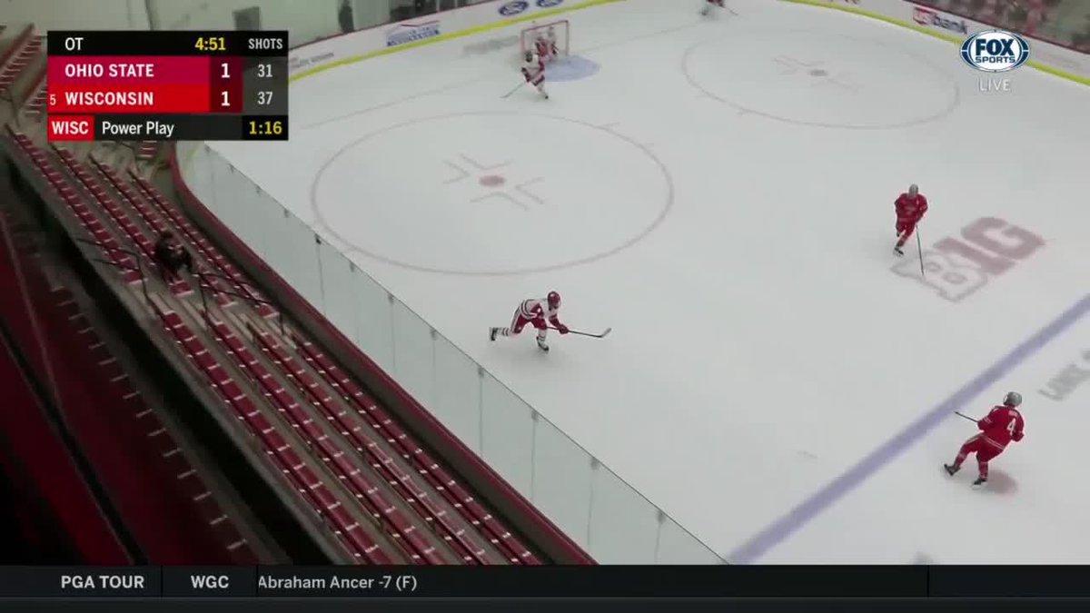 @BadgerMHockey's photo on Holloway