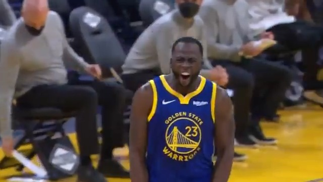 Draymond finds Oubre for his 8TH assist of the 1st quarter! 👀