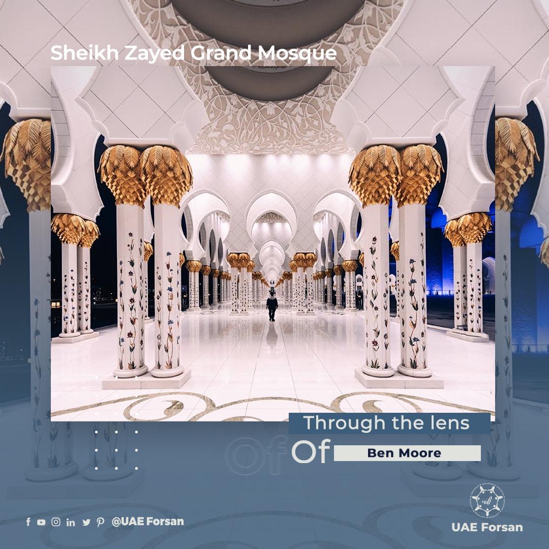 Sheikh Zayed Grand Mosque   Through the lens of @bemorephotos #InAbuDhabi #discover_UAE @TripAdvisor @ViatorTravel @VisitAbuDhabi https://t.co/fdrNPG1syx