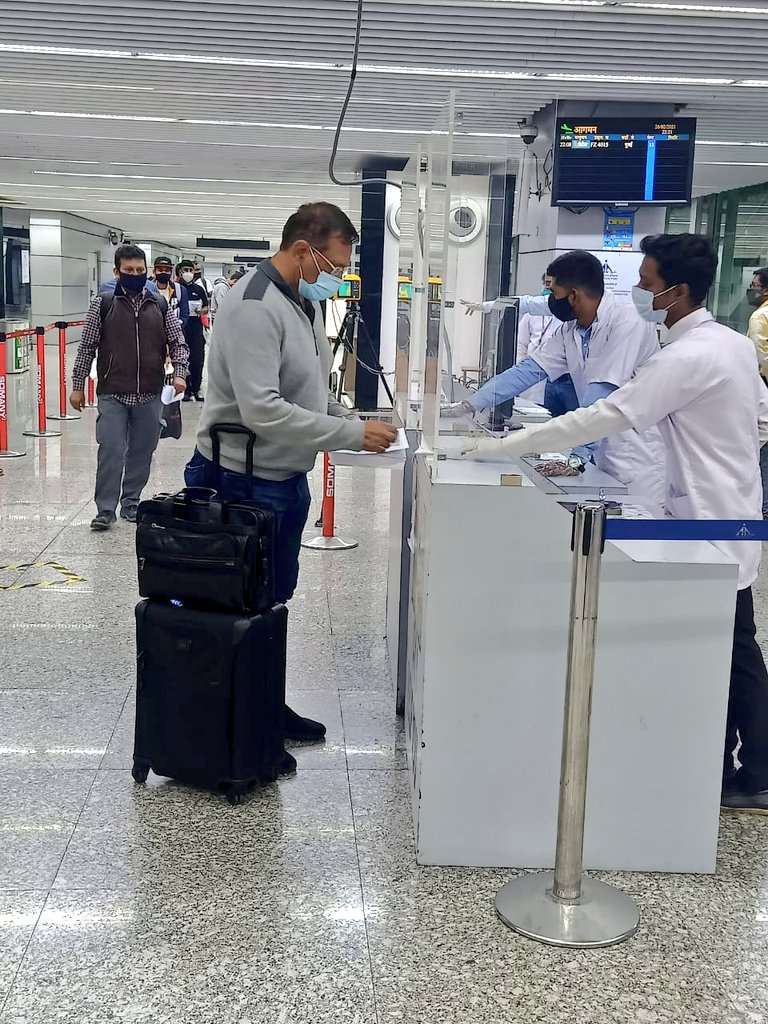 On 26th Feb 2021 #KolkataAirport facilitated 1771 passengers of 14 international flights. All the standard operating procedures were followed by our teams to ensure a hassle free travel experience of the passengers. #Unite2FightCorona #IndiaFightsCorona  #IndiaFliesHigh
