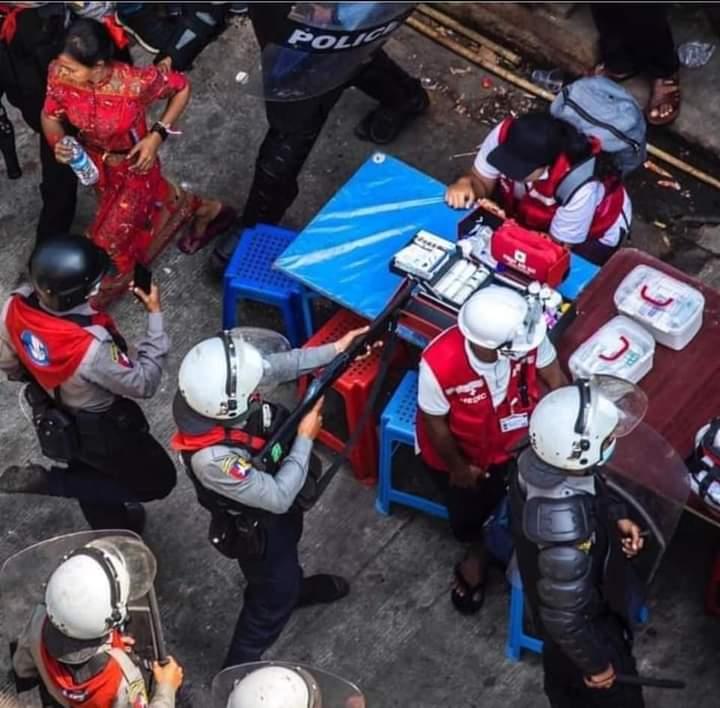 အားလုံးဝိုင်းတင်ပေးပါ 🙏🙏🙏  #မြန်မာနိုင်ငံရဲတပ်ဖွဲ့ရဲ့အကြမ်းဖက်လုပ်ရပ်များအားရှုတ်ချပါတယ်   #Condemns_the_terrorist_activities_of_the_Myanmar_Police_Force  #MyanmarPoiliceBrutality  #Feb27Coup  United Nations Human Rights United Nationsnation