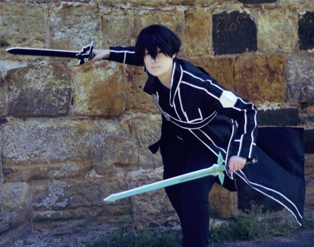 I randomly feel like sharing a pic of my old Kirito cosplay. I even bought the swords for it but still only ended up wearing it once! I miss conventions so baaaaad 😭😭😭 #cosplay #SwordArtOnline