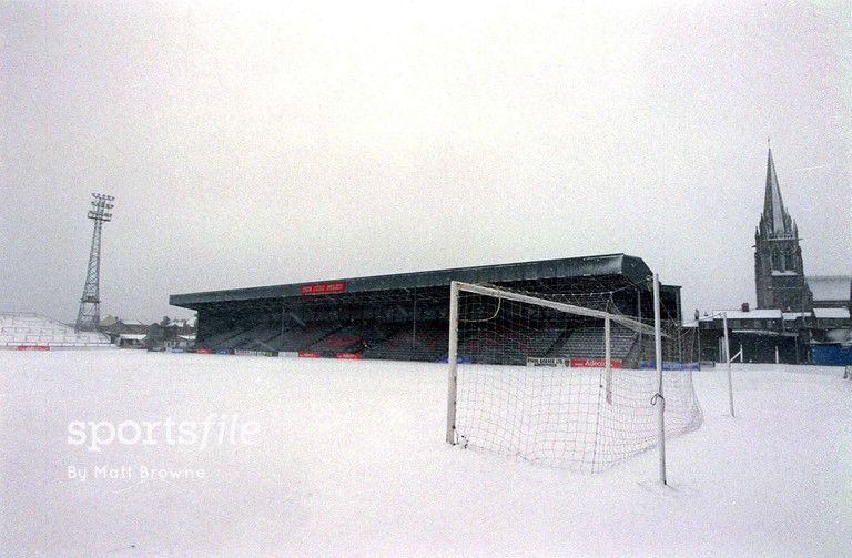 Bohs Snow ⛄  A general view of a snow covered Dalymount Park #OnThisDay in 2001.   #Snow #Bohemians